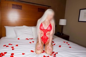 Nahomie escort & erotic massage