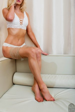 Angelle escorts in Little Elm and nuru massage