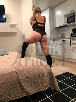 Farrida escort girl and thai massage