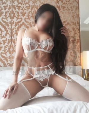 Lethicia live escort & erotic massage